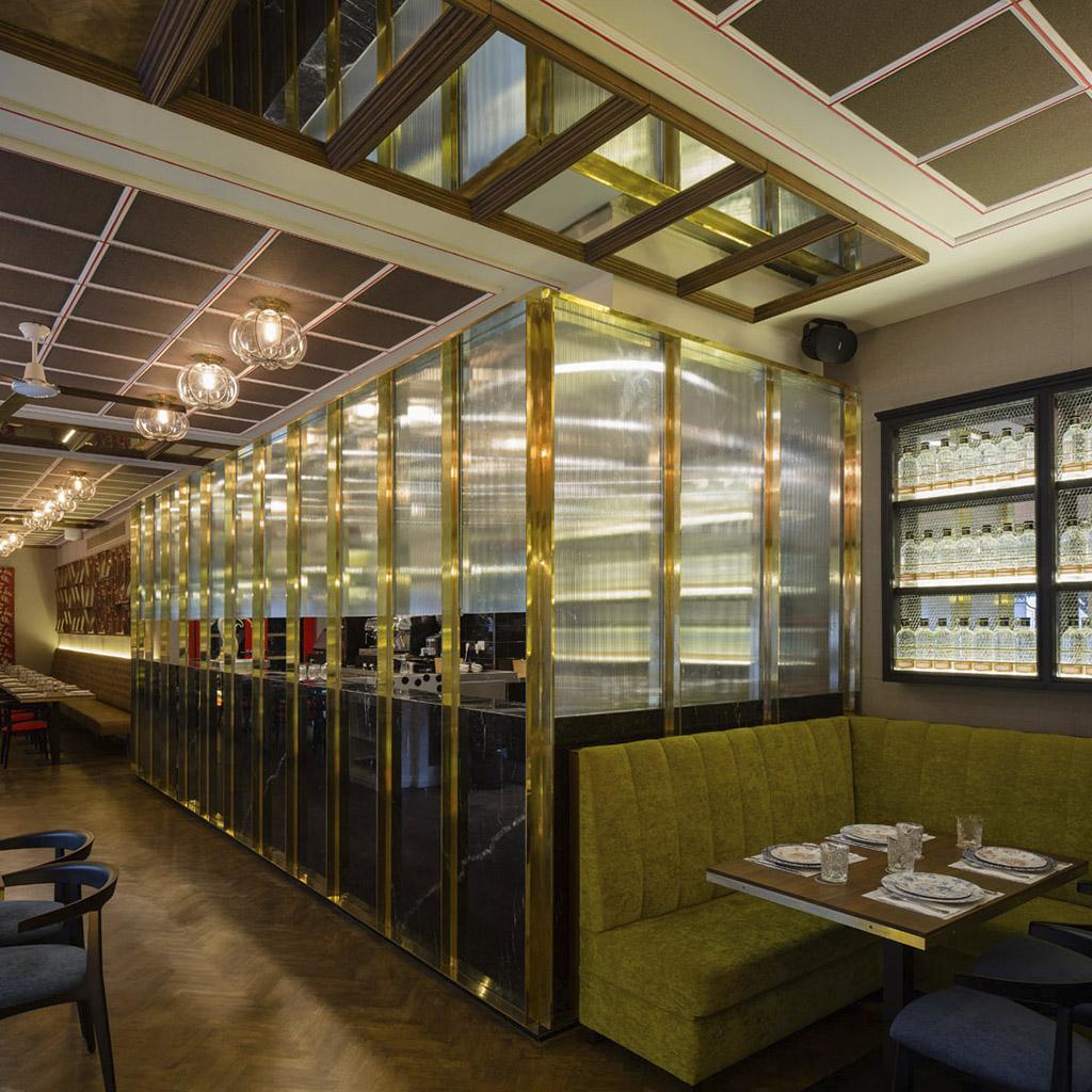 interior restaurante Tata Pila
